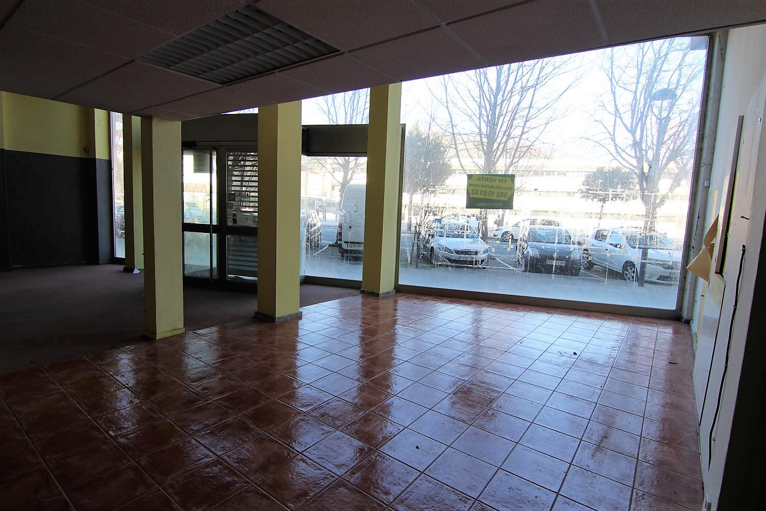 Venta de local comercial en Berriozar